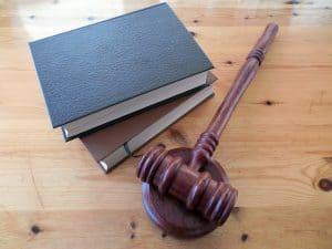 פריטי חוק ומשפט